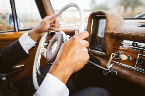 Steering Wheel by Laura Gariglio-139735-unsplash