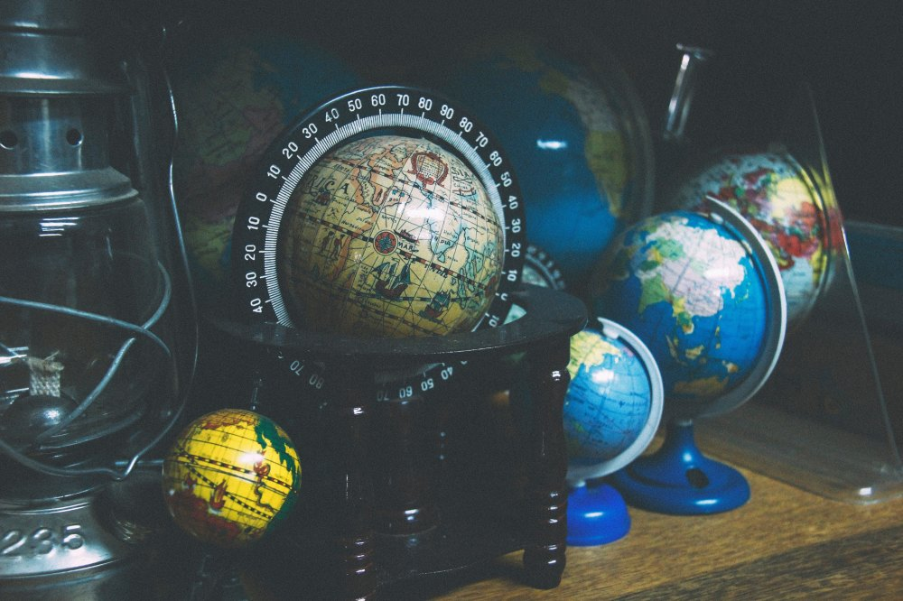 Globes by joao-silas-29233-unsplash.jpg