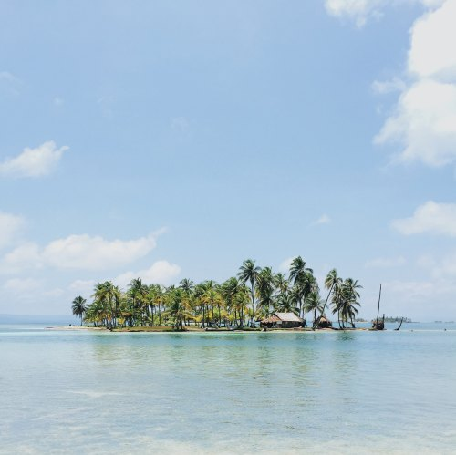 Island by pablo-garcia-saldana-36212-unsplash